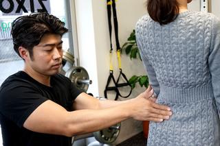 姿勢バランスチェック、パーソナルトレーニングジムZiXO八王子画像